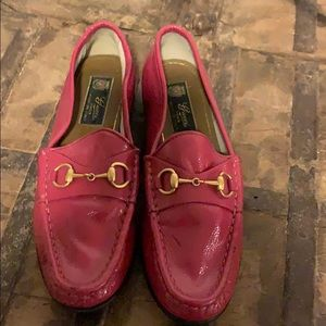 Fuchsia Gucci loafers